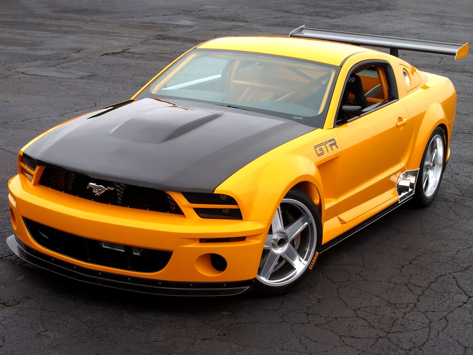 Ford mustang gt r